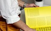 Print-Mailings werden häufig eher gelesen als digitalen Newsletter.